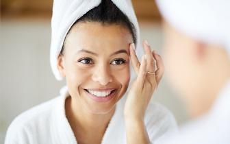 Tratamento Hydrafacial Rejuvenescedor: Limpeza de Pele Profunda com Ultrassons e Fototerapia por 29€ na Alameda!